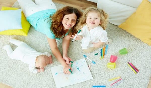 Evde çocuk bakarak nasıl para kazanılır?