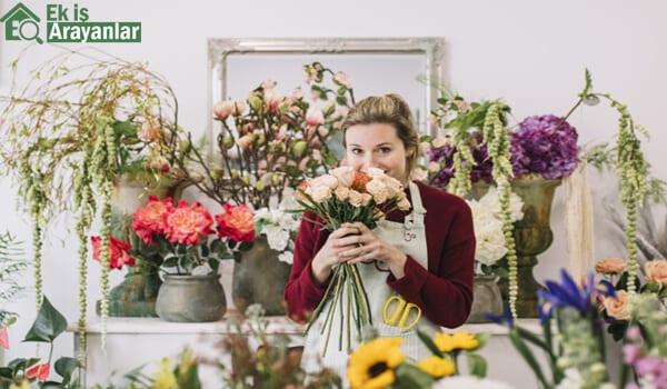 Evde çiçek yaparak para kazanın